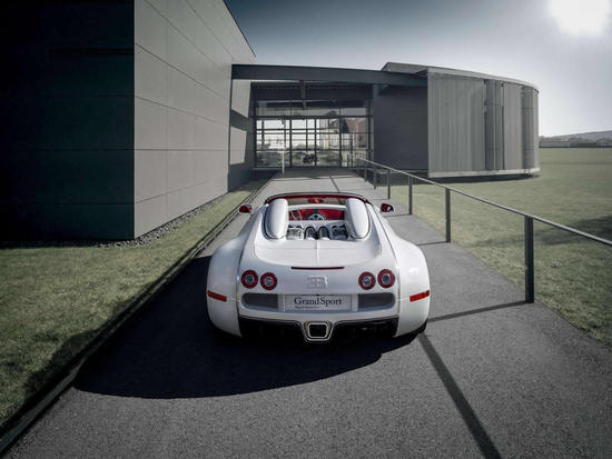 Bugatti_Veyron_Grand_Sport_Wei_Long_edition_3.jpg
