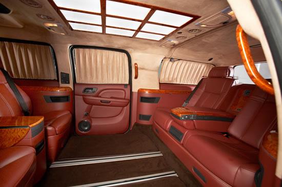 Cadillac-Escalade-ESV-XXXL-2.jpg