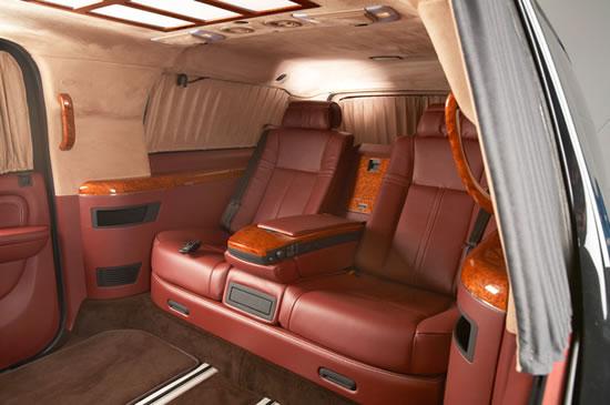 Cadillac-Escalade-ESV-XXXL-4.jpg