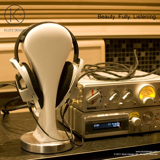 CanCans-Luxury-Headphone-Stand-from-Klutz-Design-6.jpg