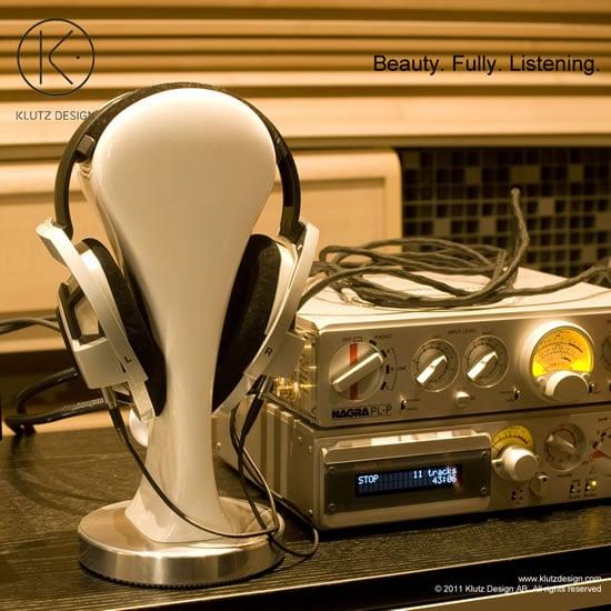 CanCans-Luxury-Headphone-Stand-from-Klutz-Design-6.jpg