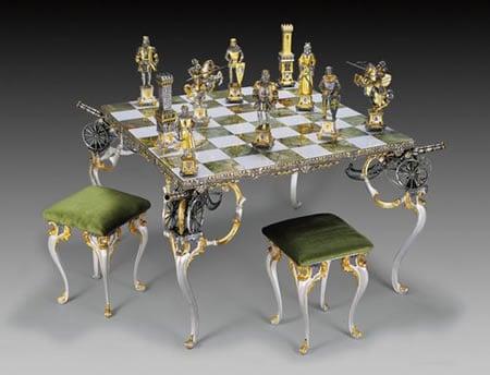 Carolingi_XIV_Chess_Pieces3.jpg