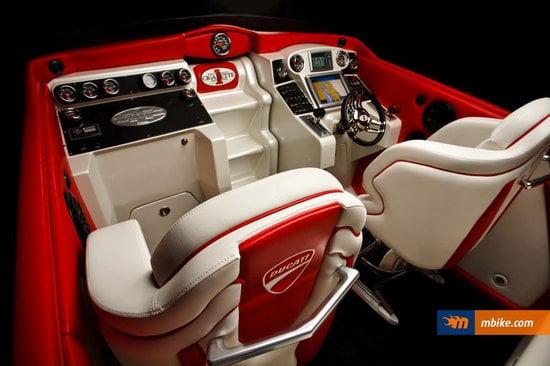 Cigarette_Racing_42X_Ducati_Edition_3.jpg