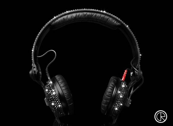 Crystal-Rocked-unveils-Sennheiser-HD25-Swarovski-headphones3.jpg