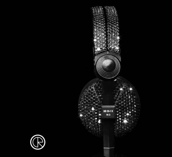 Crystal-Rocked-unveils-Sennheiser-HD25-Swarovski-headphones4.jpg