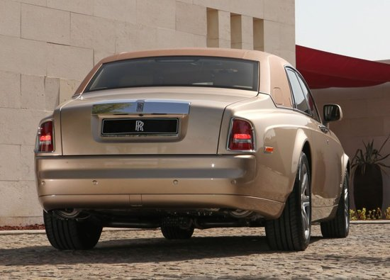 Customized_2010_RollsRoyce_Phantom4.jpg