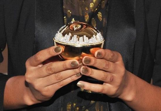DKNY-Million-Dollar-Perfume-Bottle3.jpg