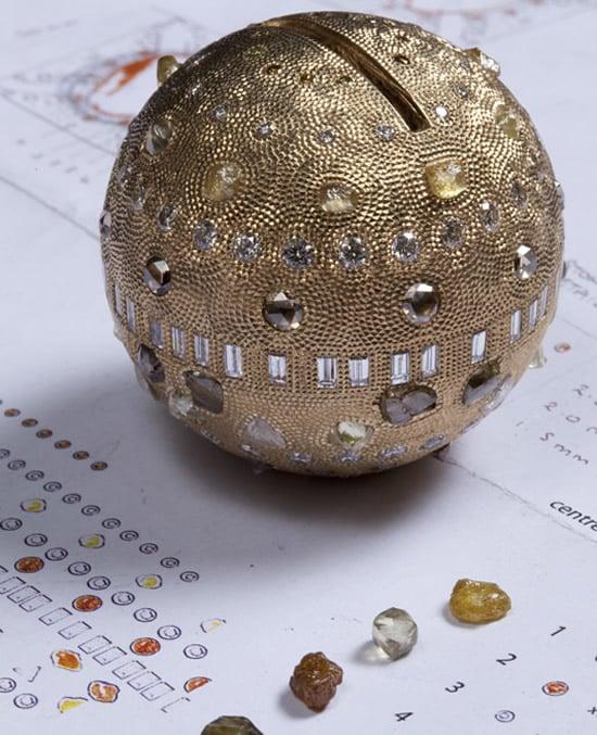 De_Beers_Talisman_Jubilee_Crown_diamond_sphere.jpg