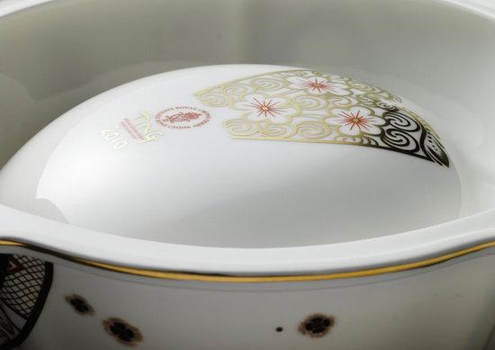 Derby-Imari-pattern-bowls-3.jpg