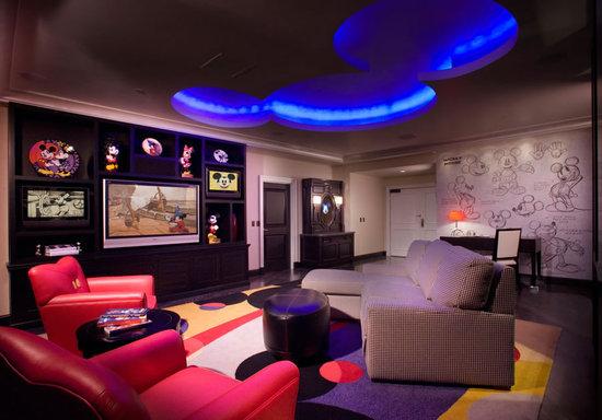 Disneyland-Hotel2.jpg