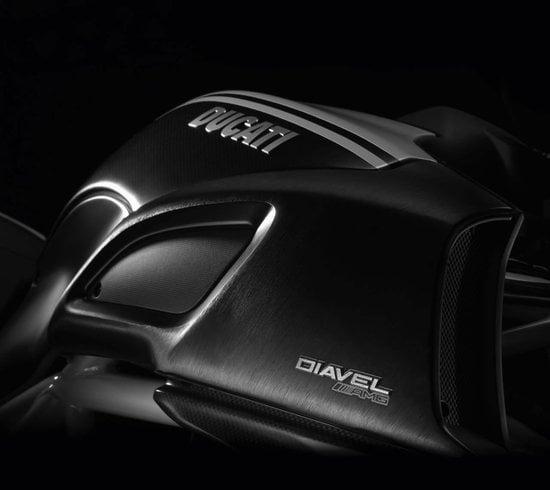 Ducati-Diavel-AMG-Special-Edition-3.jpg