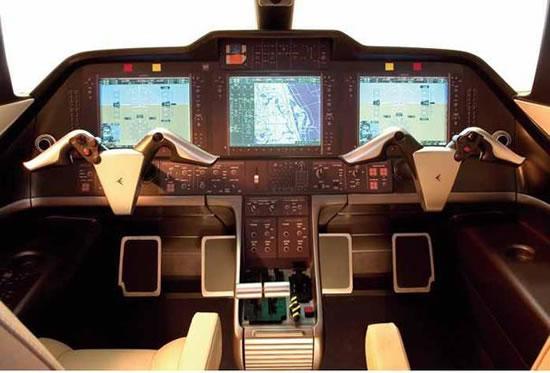 Embraer-Phenom-100-jet-2.jpg