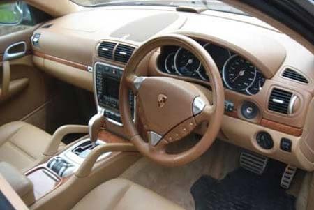 Eric_Clapton_Porsche_Cayenne_Turbo4.jpg