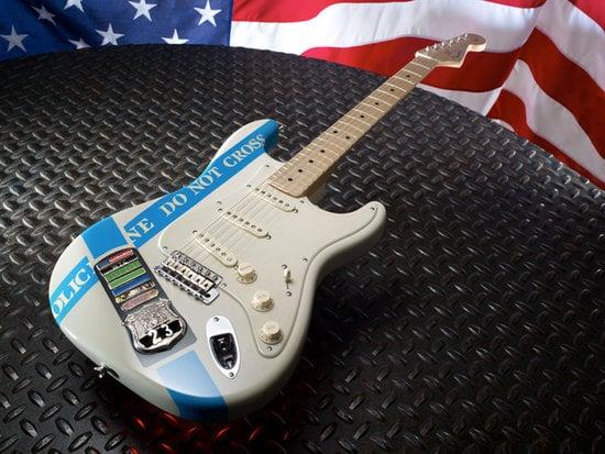 Fender-Stratocaster-customized-guitars-4.jpg