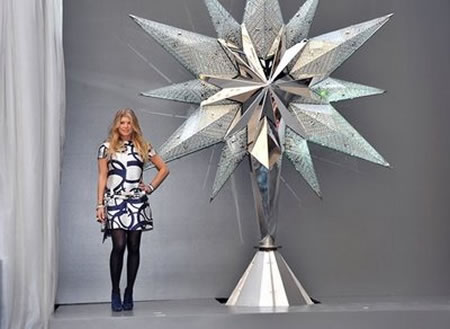 Newly designed 9.5 foot Swarovski Star for 2009 Rockefeller Center Christmas tree unveiled