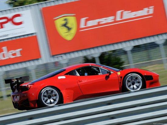 Ferrari-458_Italia_Grand_Am_4.jpg