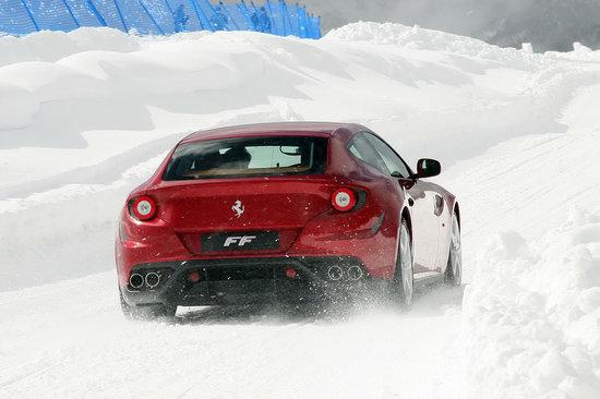 Ferrari-FF-3.jpg