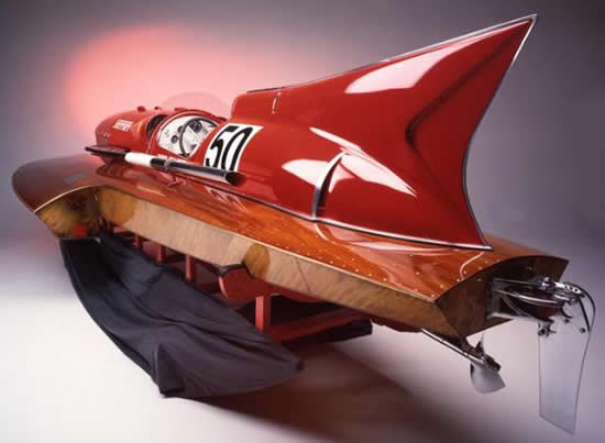 Ferrari-V12-powered-1953-Arno-XI-motor-racing-boat-to-be-auctioned-at-RM-Auctions-during-2012-F1-Monaco-GP-3.jpg