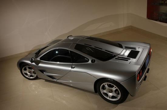 First_McLaren_F1_car_2.jpg