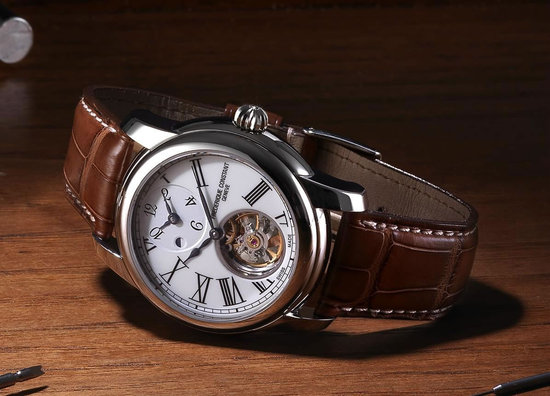 Frederique-Constant-Heart-Beat-Manufacture-GMT-Automatic-4.jpg