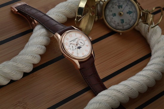 Frederique-Constant-Runabout-Moonphase-2.jpg