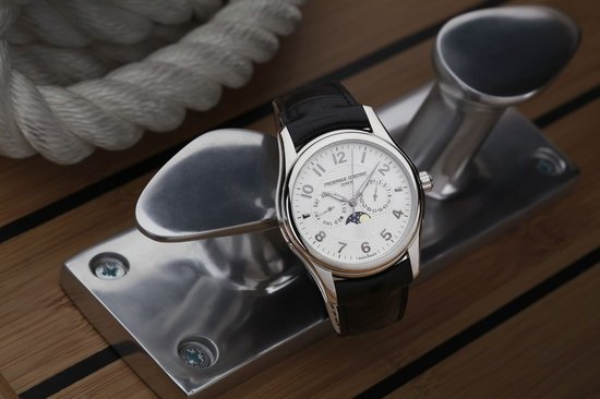 Frederique-Constant-Runabout-Moonphase-3.jpg