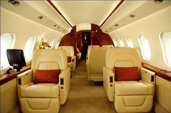 Global-Express-XRS-business-jet-2.jpg