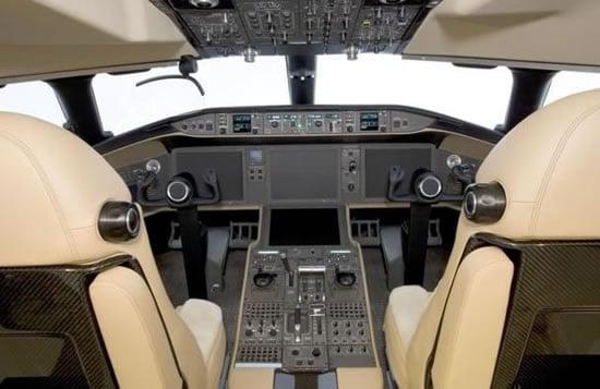 Global-Express-XRS-business-jet-3.jpg
