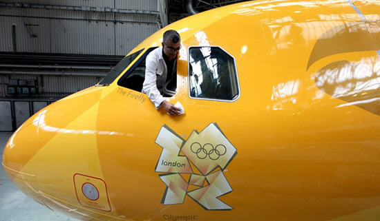 Gold-British-Airways-jet-2.jpg