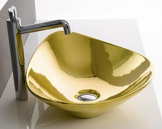 Gold-Colored-Bathroom-Fixtures-3.jpg