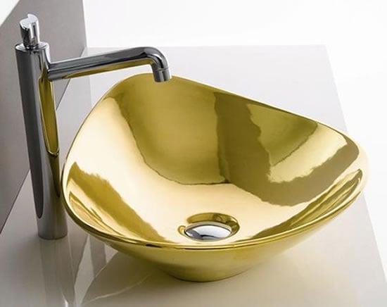 Gold-Colored-Bathroom-Fixtures-3.jpg