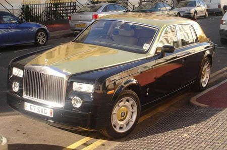 Gold_painted_Rolls_Royce_2.jpg