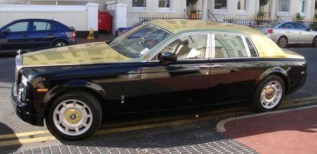 Gold_painted_Rolls_Royce_4.jpg