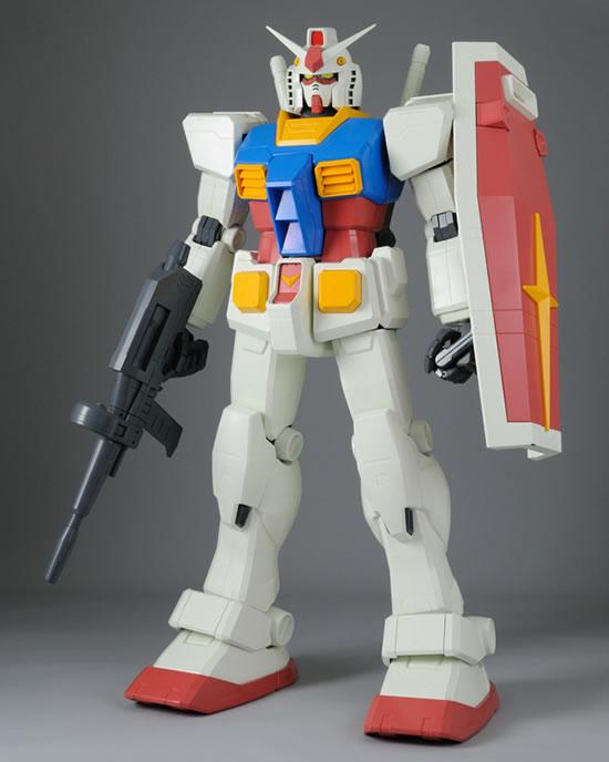 Gundam-figure-2.jpg
