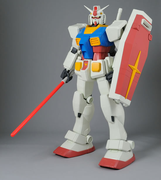 Gundam-figure-3.jpg