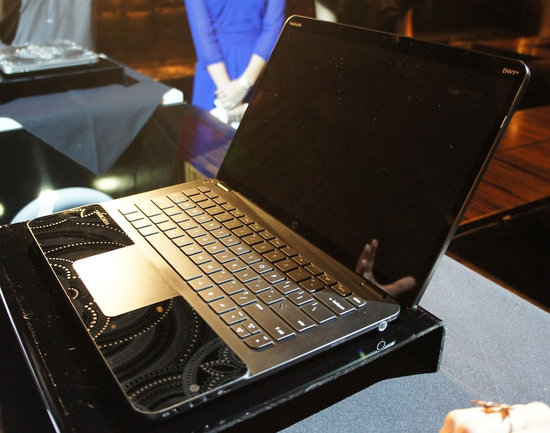 HP-and-Marchesa-Limited-Edition-Swarovski-Laptop-3.jpg