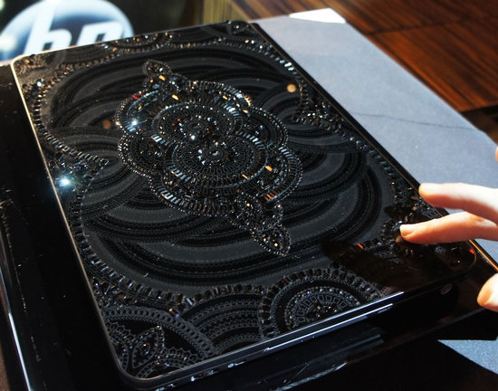 HP-and-Marchesa-Limited-Edition-Swarovski-Laptop-4.jpg