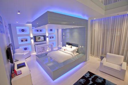 Hard_rock_hotel_pool_Suites2.jpg