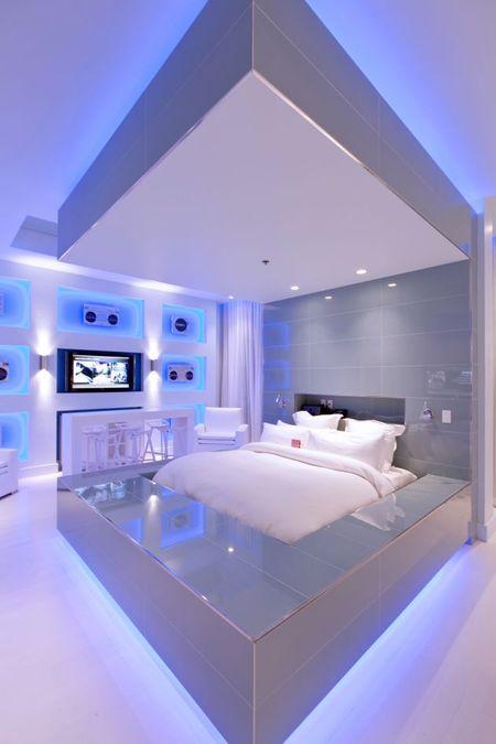 Hard_rock_hotel_pool_Suites3.jpg