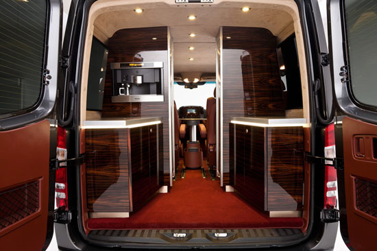 Hartmann-Mercedes-Sprinter-gets-an-Air-Force-One-inspired-interior2.jpg