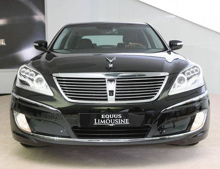 Hyundai_Equus_LV500_Limousine3.jpg