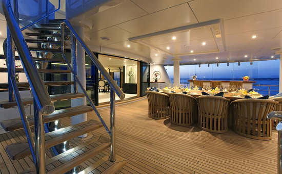 Imagine-Limited-Editions-Amels-212-superyacht9.jpg
