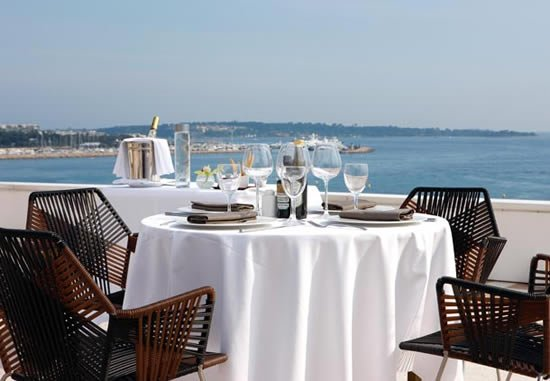 JW_Marriott_Cannes_rooftop_terrace_1.jpg