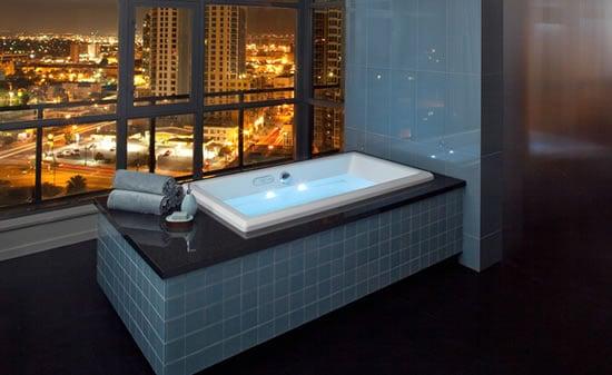 Jacuzzi_acero_bathtubs.jpg