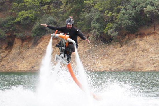 Jetovator-water-powered-jetbike-2.jpeg