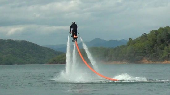 Jetovator-water-powered-jetbike-5.jpeg