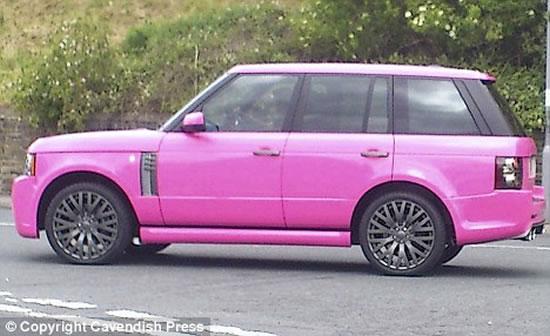 Katie-Price-pink-Range-Rover2.jpg