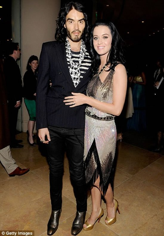 Katy Perry gifts Russell Brand a $200,000 ticket to space