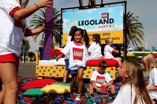 LEGOLAND-Hotel-California-2.jpg