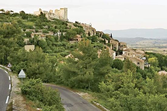 Lacoste-village-3.jpg